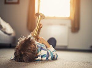 Ecole de musique ou conservatoire : que choisir pour mon enfant ?
